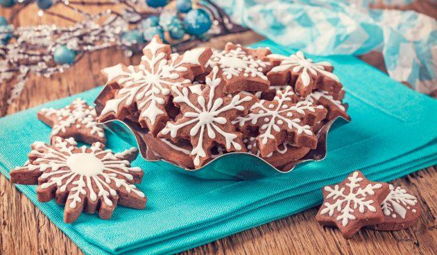 Имбирное печенье с глазурью из белого шоколада