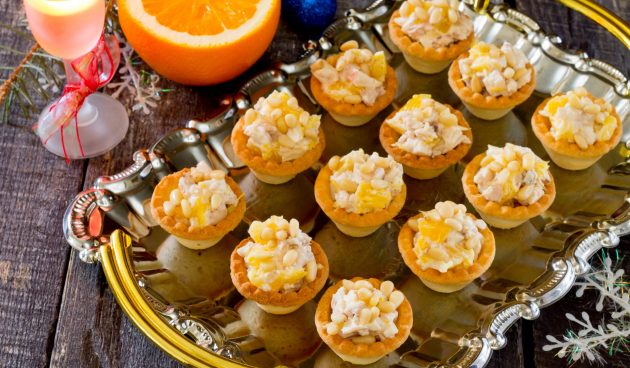 Тарталетки с курицей и апельсином