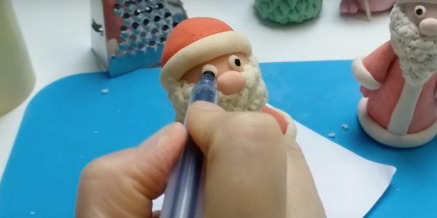 Как сделать Деда Мороза своими руками: нарисуйте зрачки