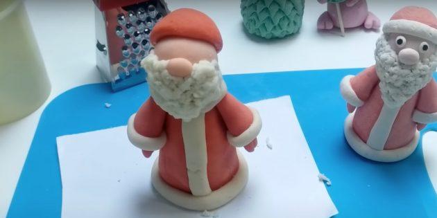 Как сделать Деда Мороза своими руками: прикрепите шляпу