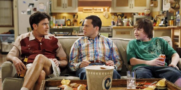Сериалы про семью: «Два с половиной человека»