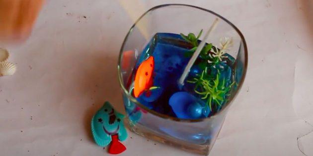 Свеча своими руками: добавьте рыбок