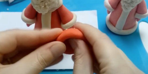 Как сделать Деда Мороза своими руками: слепите шляпку
