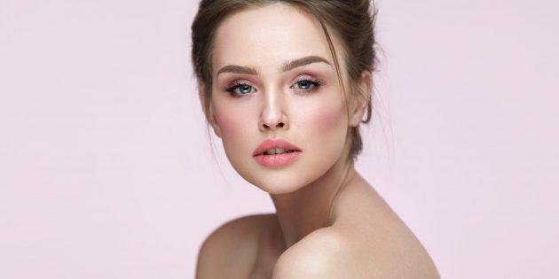Модный макияж — 2021: розовые щёки