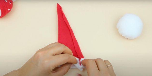 Склейте боковые стороны треугольника