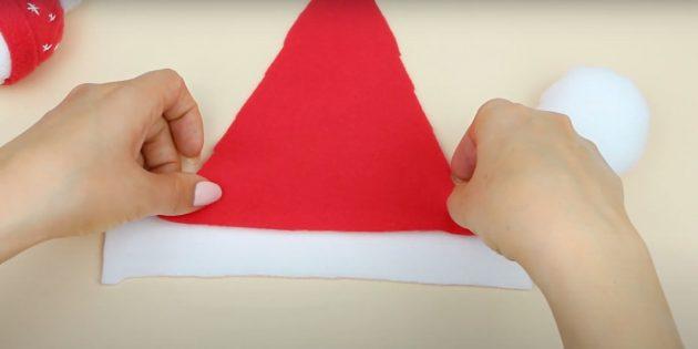 Приклейте треугольник к полоске