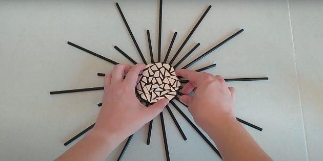 Поделки из фольги: приклейте круг к заготовке
