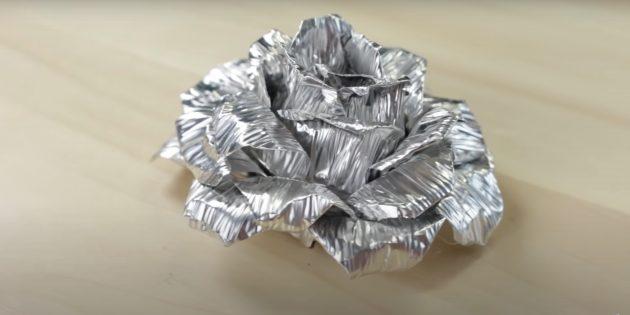 Роза из фольги