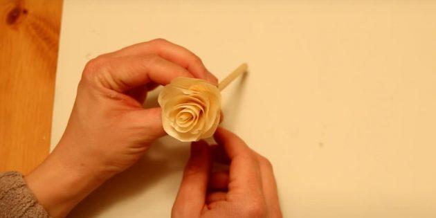 Поделки из дерева своими руками: цветок из древесной стружки