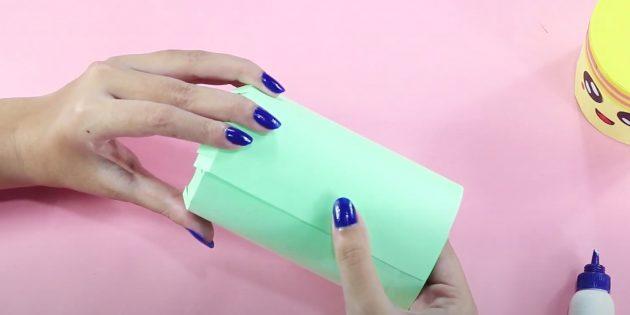 Копилка своими руками: приклейте боковую часть листа к стенке заготовки