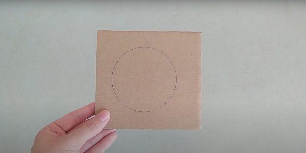 Поделки из фольги: начертите круг на картоне