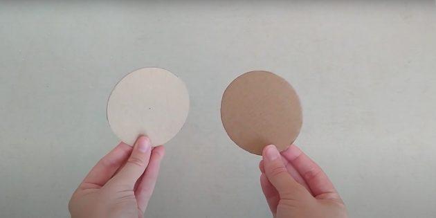 Поделки из фольги: вырежьте круги