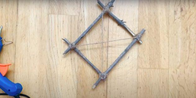 Обмотайте верёвкой ещё два угла