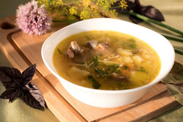 Суп со свиными рёбрышками и вермишелью