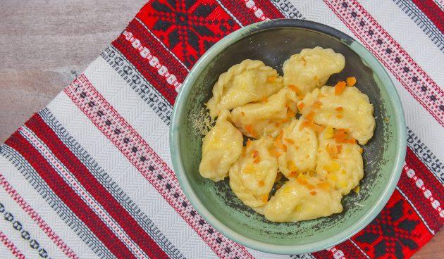 Вареники с тыквой и двумя видами сыра