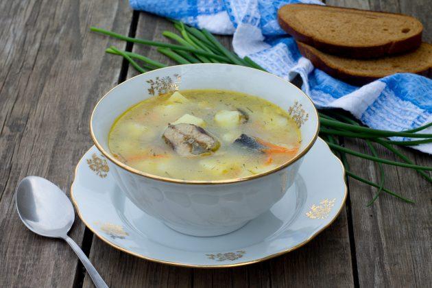 Рыбный суп из консервов с рисом