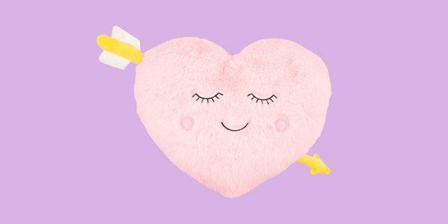 Романтические подарки на свидание: подушка
