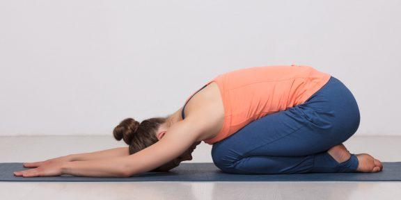 Тренировка дня: 5 простых упражнений снизят вред от сидячей работы