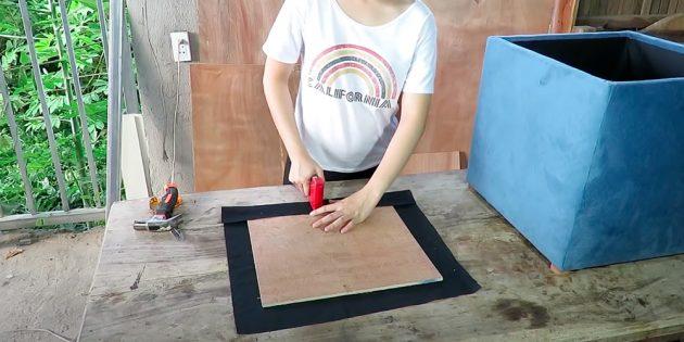 Пуфик своими руками: обклейте подкладочной тканью доску