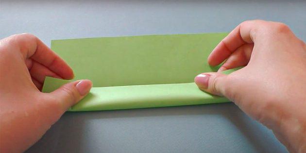 Поделки к 23 Февраля: сложите лист бумаги в длину