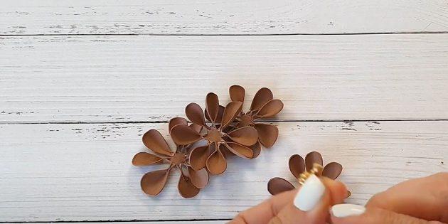 Поделки из фоамирана своими руками: сделайте «зажимы»