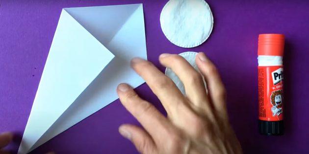Поделки из ватных дисков: Сделайте сверток из бумаги