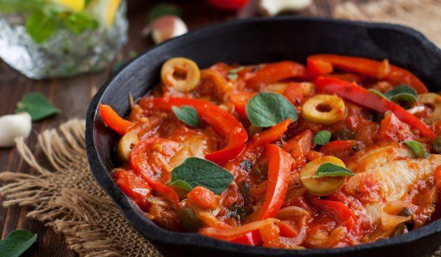Тилапия, запечённая в духовке с овощами