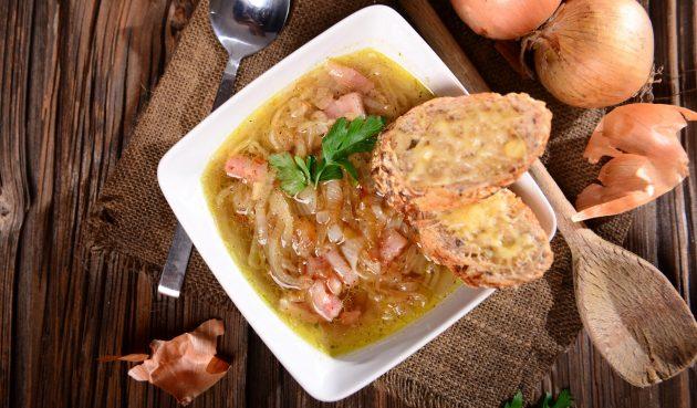 Луковый суп с ветчиной