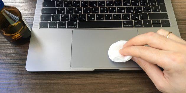 Не работает тачпад на ноутбуке: Протрите панель