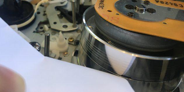 Оцифровка видеокассеты: одна из головок видеокассеты