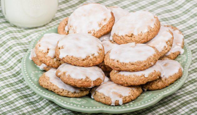 Печенье из овсяных хлопьев с глазурью