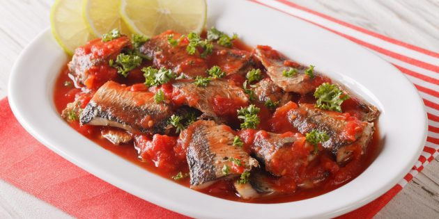 Умами: сардины, тушенные с помидорами