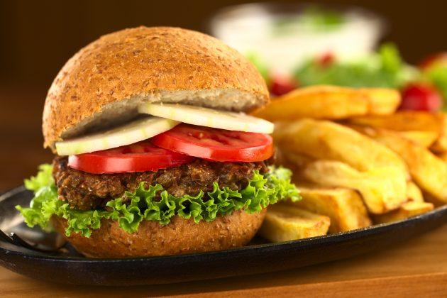 Вегетарианские бургеры с чечевичными котлетами