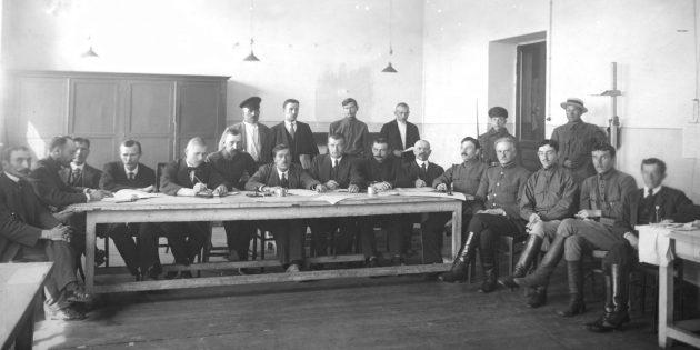 День защитника Отечества: Комиссия по призыву рабочих и крестьян в Красную армию