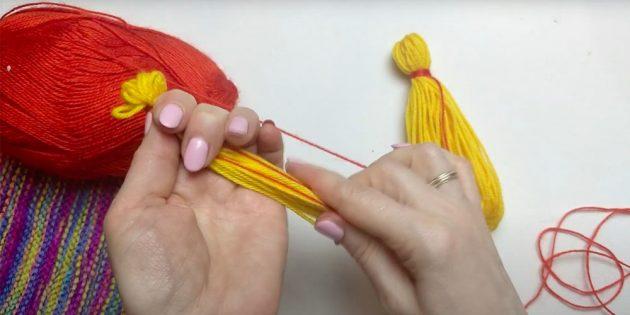 Кукла Масленица своими руками: обмотайте вторую ладошку