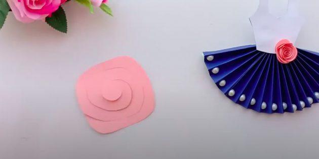 Подарки на 8Марта: вырежьте спираль из розового квадрата