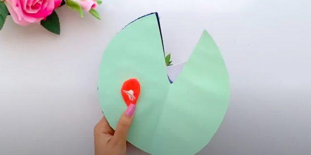 Подарки на 8марта: приклейте внутрь сердечки