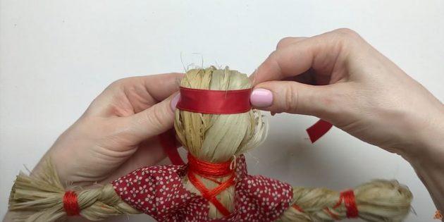Кукла Масленица своими руками: украсьте лоб куклы лентой