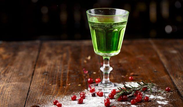 Алкогольный коктейль «Смерть в полдень»