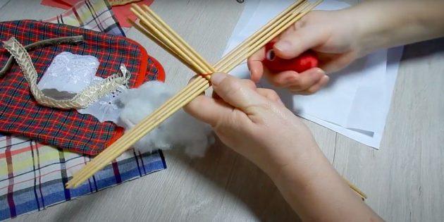 Кукла Масленица своими руками: сделайте основу
