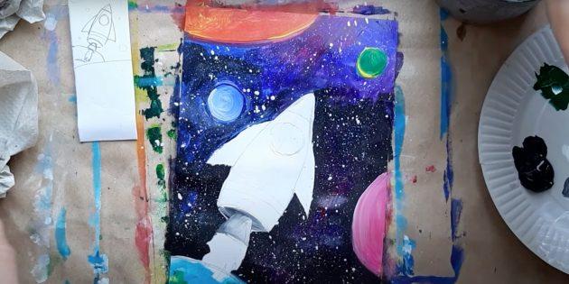 Закрасьте планеты и корпус ракеты