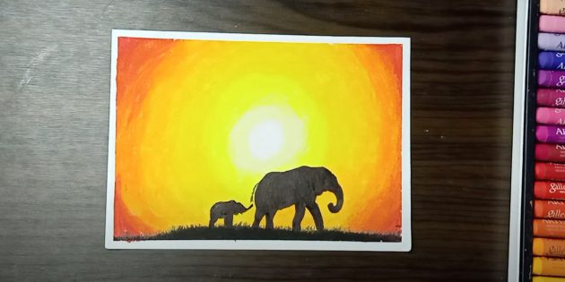 Закрасьте слонов и нарисуйте холм с травой