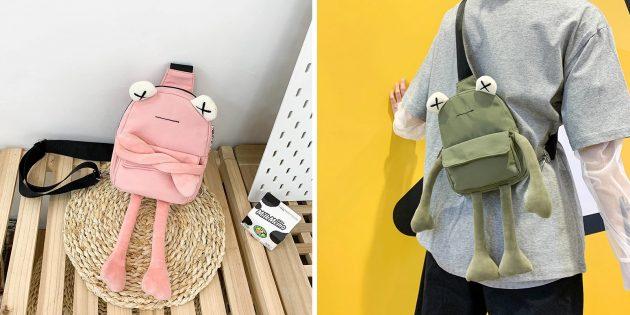 Необычный рюкзак в виде лягушки