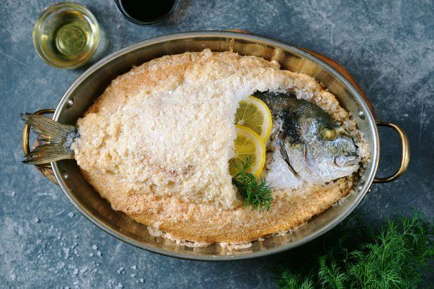 Рыба, запечённая в соли