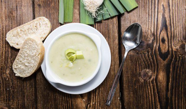 Крем-суп из лука-порея с фенхелем