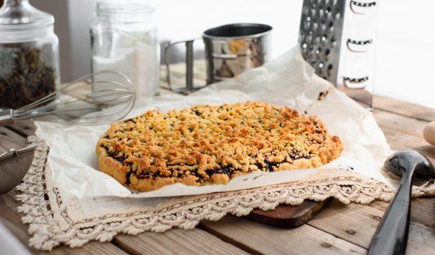 Тёртый пирог с вареньем на майонезе