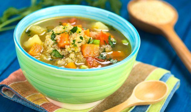 Суп с киноа и овощами
