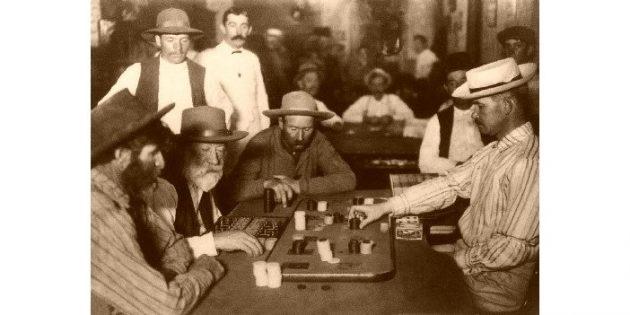 Каким на самом деле был Дикий Запад: игроки в аризонском салуне