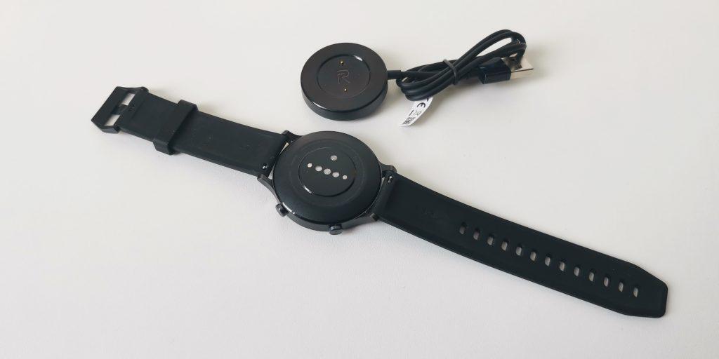 Обзор Realme Watch S: зарядка