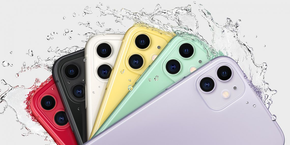 IPhone 11 пережил полгода на дне озера